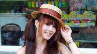 走在這初春的小鎮街頭,拿著相機到處獵取這充滿綠色邊界的青春氣息,看到一位頭戴帽子的俏麗佳人,正帶著水靈的眼神,在進行著她 […]